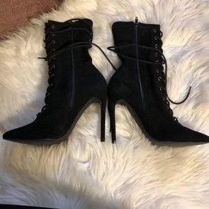 Steve Madden Shoes - Steve Madden lace up pointy booties